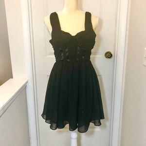 H&M Black A-Line Dress Sz 6 fits like 0-2 NWT